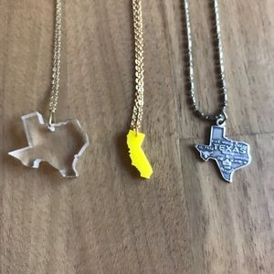 Jewelry - Texas California state necklace lot